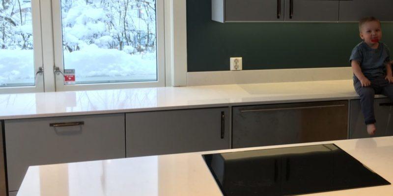 Poleret eller slebet bordplade?