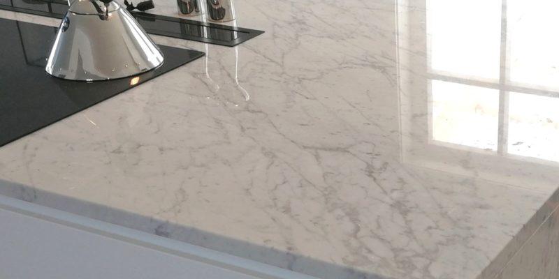 Alle køkkenborde af Carrara-marmor
